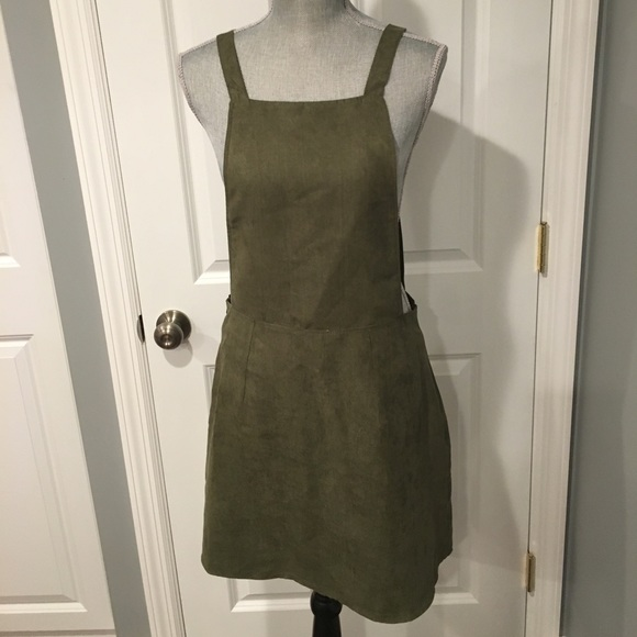 b05177ac3d HP 118🎉🎉🎉NWT khaki pinafore dress Sz 6 USA. NWT. Primark